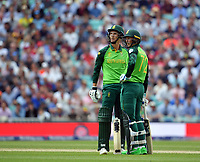 Cricket - 2019 ICC Cricket World Cup - Group Stage: England vs. South Africa<br /> <br /> South Africa's Dwaine Pretorius (left) and Rassie van der Dussen wait on the drs, at The Kia Oval.<br /> <br /> COLORSPORT/ASHLEY WESTERN
