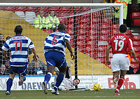 Fotball<br /> England 2004/2005<br /> Foto: SBI/Digitalsport<br /> NORWAY ONLY<br /> <br /> Nottingham Forest v Queen's Park Rangers<br /> Coca Cola Championship. 04.12.2004<br /> <br /> QPR keeper Chris Day (second from R) saves the penalty, but is unable to prevent Andy Reid from scoring from the rebound.