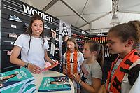 BREDA - Naomi van As signeert in de Adidas stand bij  Hockey Champions Trophy. COPYRIGHT  KOEN SUYK