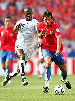 v.l. Matthew Amoah, Zdenek Grygera Tschechien<br /> Fussball WM 2006 Tschechien - Ghana<br /> Tsjekkia <br /> Norway only