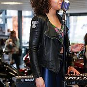 ND/Amsterdam/20130322- Onthulling Buddha2Buddha motor, zangeres
