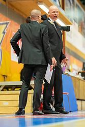 29.05.2019, SPH Walfersam, Kapfenberg, AUT, Admiral BBL, Kapfenberg Bulls vs Swans Gmunden, Finale, 1. Spiel, im Bild v.l.: Assistant Coach, Michael Schrittwieser (Bulls Kapfenberg), Head Coach, Mike Coffin (Kapfenberg Bulls) // during the Admiral Basketball league, 1st final match between Kapfenberg Bulls and Swans Gmunden at the SPH Walfersam in Kapfenberg, Austria on 2019/05/29. EXPA Pictures © 2019, PhotoCredit: EXPA/ Dominik Angerer