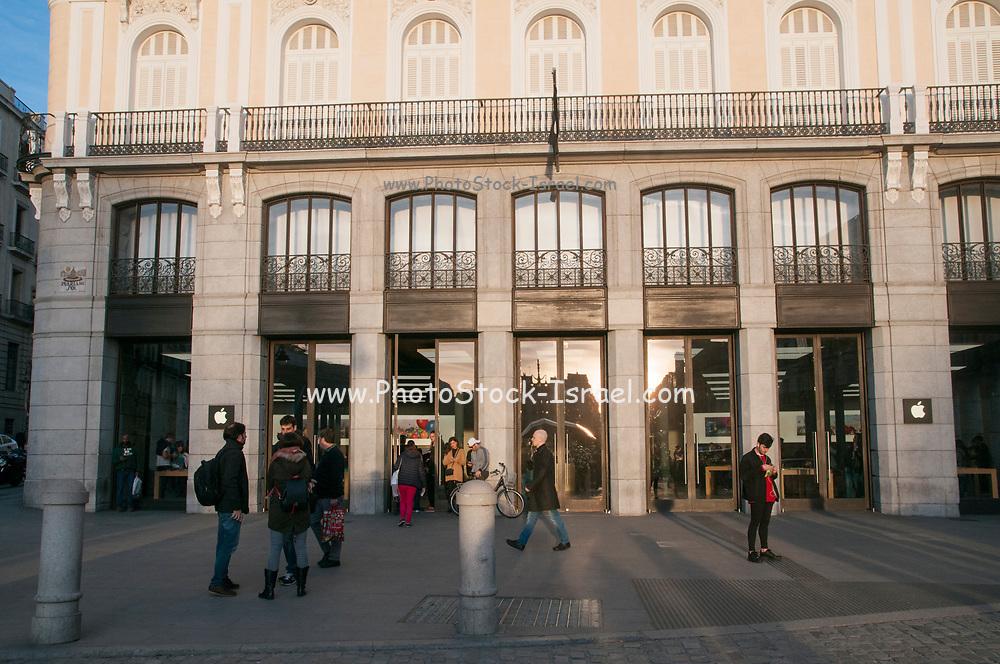Apple store Puerta del sol, Puerta del Sol, Madrid, Spain
