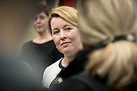 18 FEB 2019, BERLIN/GERMANY:<br /> Franziska Giffey, SPD, Bundesfamilienministerin, waehrend einem Pressestatement zum Thema Unterhaltsvorschuss, Bundesministerium für Familie, Senioren, Frauen und Jugend<br /> IMAGE: 20190218-02-013<br /> KEYWORDS: Mikrofon, microphone, Pressekonferenz