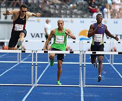 11.09.2011, Olympic Stadium / Olympiastadion, Berlin, GER, ISTAF 2011, im Bild Georg FLEISCHHAUER (GER), Cornel FREDERICKS  (RSA) und Isa PHILLIPS (JAM) in der Disziplin Maenner - 400M Huerden // Georg FLEISCHHAUER (GER), Cornel FREDERICKS  (RSA) and Isa PHILLIPS (JAM) competing in Men - 400M Hurdles during the ISTAF 2011 held in Berlin, GER, EXPA Pictures © 2011, PhotoCredit: EXPA/ S. Kiesewetter