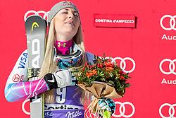 20.01.2018, Olympia delle Tofane, Cortina d Ampezzo, ITA, FIS Weltcup Ski Alpin, Abfahrt, Damen, Siegerehrung im Bild Siegerin Lindsey Vonn (USA) // Winner Lindsey Vonn of the USA during the Winner Award Ceremony of ladie' s downhill of the Cortina FIS Ski Alpine World Cup at the Olympia delle Tofane course in Cortina d Ampezzo, Italy on 2018/01/20. EXPA Pictures © 2018, PhotoCredit: EXPA/ Dominik Angerer