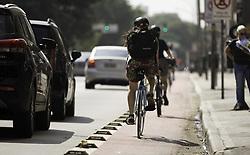 """April 28, 2018 - SãO Paulo, Brazil - SÃO PAULO, SP - 28.04.2018: COVAS AFIRMA QUE IRÁ DESATIVAR CICLOVIAS - Cycle path on Consolação Street this morning (28). Mayor Bruno Covas said he would deactivate bicycle lanes that &quother"""" toe population. (Credit Image: © Bruno Rocha/Fotoarena via ZUMA Press)"""