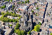 Nederland, Noord-Brabant, Den Bosch, 13-05-2019; binnenstad van 's-Hertogenbosch met Sint-Janskathedraal, formeel De Kathedrale Basiliek van Sint Jan Evangelist. Parade, Torenstraat. Hinthamerstraat.<br /> City center of 's-Hertogenbosch with St. John's Cathedral.<br /> <br /> luchtfoto (toeslag op standard tarieven);<br /> aerial photo (additional fee required);<br /> copyright foto/photo Siebe Swart
