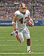 Washington Redskins running back Chris Cooley cruses into the end zone on a four yard touchdown catch, to put the game away late in the fourth quarter against St. Louis at the Edward Jones Dome in St. Louis, Missouri, December 4, 2005.  The Redskins beat the Rams 24-9.