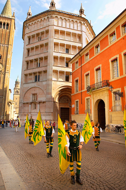 Fiesta near the Baptistry and Duomo - Piazza Del Duomo - Parma Italy. .<br /> <br /> Visit our ITALY HISTORIC PLACES PHOTO COLLECTION for more   photos of Italy to download or buy as prints https://funkystock.photoshelter.com/gallery-collection/2b-Pictures-Images-of-Italy-Photos-of-Italian-Historic-Landmark-Sites/C0000qxA2zGFjd_k<br /> .<br /> <br /> Visit our MEDIEVAL PHOTO COLLECTIONS for more   photos  to download or buy as prints https://funkystock.photoshelter.com/gallery-collection/Medieval-Middle-Ages-Historic-Places-Arcaeological-Sites-Pictures-Images-of/C0000B5ZA54_WD0s