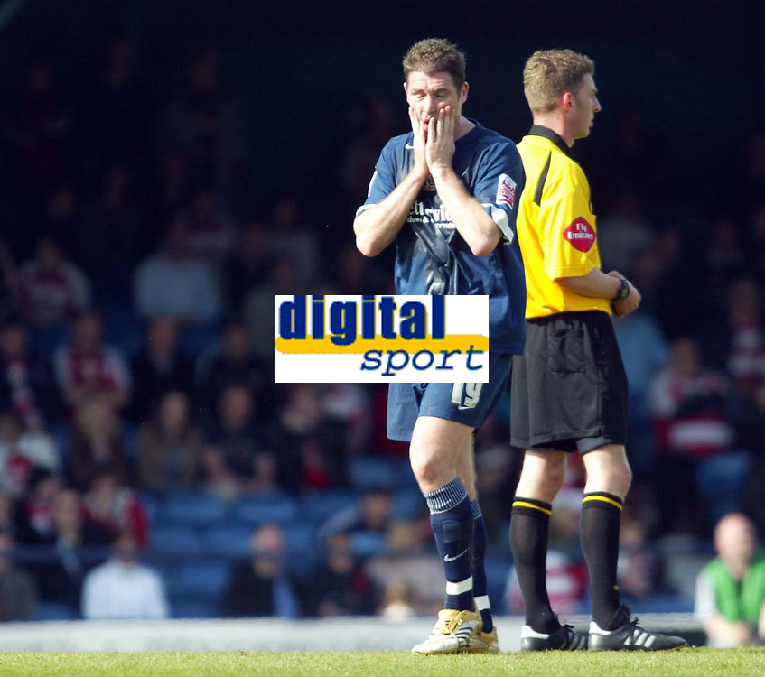 Photo: Chris Ratcliffe.<br />Southend United v Doncaster Rovers. Coca Cola League 1. 22/04/2006.<br />Lee Bradbury of Southend is gutted at the result that means they have to wait before promotion