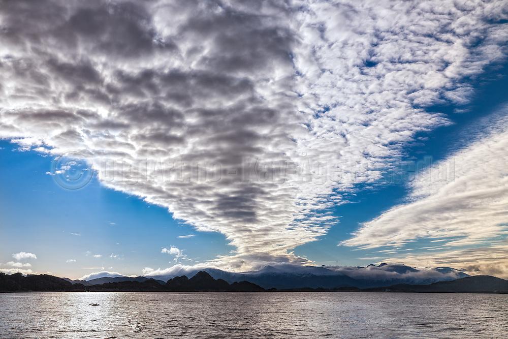 Dramatic clouds at Herøyfjord, Norway   Dramatiske skyer i Herøyfjord, Norge.