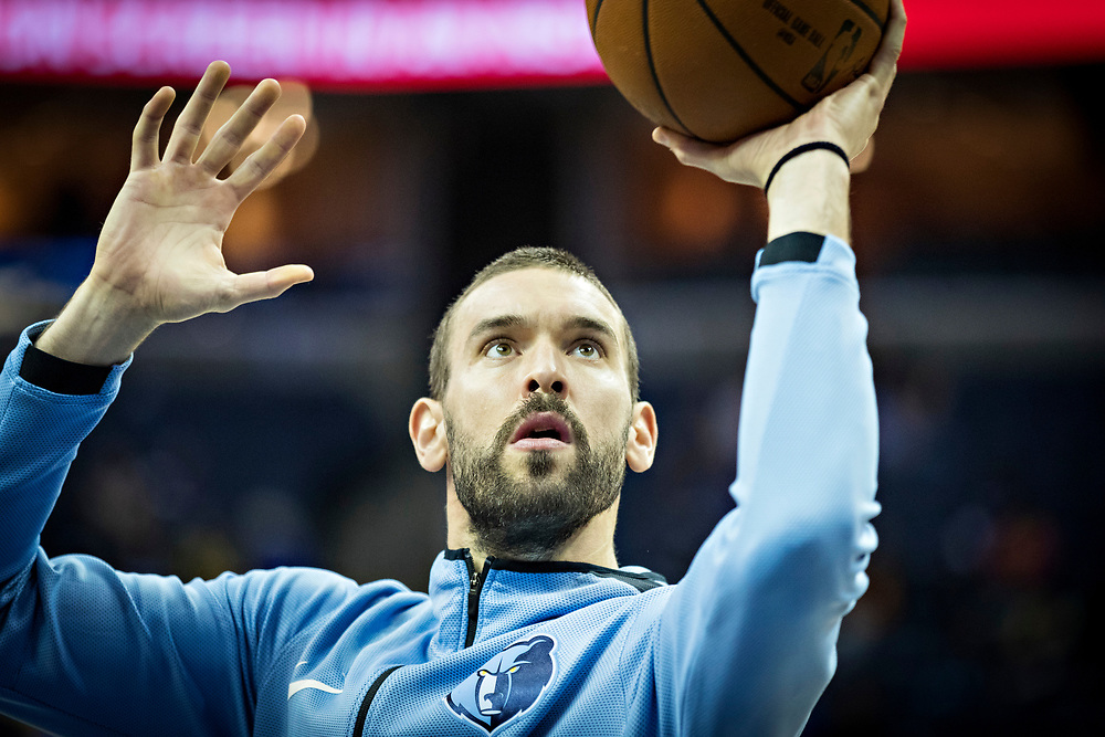 MEMPHIS, TN - OCTOBER 26:  Marc Gasol #33 of the Memphis Grizzlies warming up before a game against the Dallas Mavericks at the FedEx Forum on October 26, 2017 in Memphis, Tennessee.  NOTE TO USER: User expressly acknowledges and agrees that, by downloading and or using this photograph, User is consenting to the terms and conditions of the Getty Images License Agreement.  The Grizzlies defeated the Mavericks 96-91.  (Photo by Wesley Hitt/Getty Images) *** Local Caption *** Marc Gasol