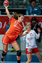 09-12-2019 JAP: Denmark - Netherlands, Kumamoto<br /> Second match Main Round Group1 at 24th IHF Women's Handball World Championship, Netherlands lost also the second match against Denmark with 27 - 24. / Bo van Wetering #12 of Netherlands