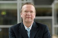 20 JAN 2006, BERLIN/GERMANY:<br /> Dr. Rainer Wend, MdB, SPD, Vorsitzender des Ausschusses fuer Wirtschaft und Arbeit des Deutschen Bundestages, an Jakob-Kaiser-Haus, Deutscher Bundestag <br /> IMAGE: 20060120-01-026