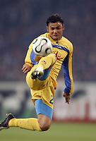 Fotball<br /> Foto: imago/Digitalsport<br /> NORWAY ONLY<br /> <br /> 06.04.2006  <br /> <br /> Emil Angelov (Levski Sofia) am Ball<br /> <br /> FC Schalke 04 - PFK Levski Sofia 1:1<br /> UEFA Cup 2005/2006