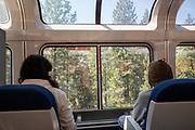 United States, Colfax, 02-09-2018<br /> Passagiers van de Amtrak kunnen in de panorama coupe genieten van het uitzicht.<br /> <br /> Passengers of the Amtrak train enjoy the view in the panorama cabin.<br /> Foto: Bas de Meijer / De Beeldunie