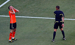 14-06-2010 VOETBAL: FIFA WORLDCUP 2010 NEDERLAND - DENEMARKEN: JOHANNESBURG<br /> Robin Van Persie of Netherlands rues an offside decision as clasps his hands to his face<br /> ©2010-FRH- NPH/  Mark Atkins (Netherlands only)