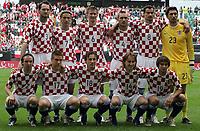 Fotball<br /> Treningskamp<br /> Kroatia v Polen<br /> 03.06.2006<br /> Foto: imago/Digitalsport<br /> NORWAY ONLY<br /> <br /> Lagbilde Kroatia<br /> Mannschaftsfoto Kroatien, hi.v.li.: Josip Simunic, Dario Simic, Jurica Vranjes, Robert Kovac, Marko Babic und Torwart Tomislav Butina; vorn: Dariio Srna, Ivan Klasnic, Ivica Olic, Luka Modric und Niko Kranjcar
