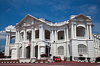 Ipoh Town Hall has been the venue of many significant events. This stately colonial building with strong calssical elements was designed by government architect A.B. Hubback who also designed the Ipoh Railway Station. Throughout the century, the Town Hall have seen many people from various backgrounds and expertise utilising, and walking up and down, its hallways. The Indian poet and Nobel Laureate Rabindranath Tagore once addressed a meeting of Perak's English and vernacular school teachers here in the late 1930s. The Malay Nationalist Party, the first political party formed in Malaya, held its inaugural congress in the Ipoh Town Hall fromNovember 30to December 3,1945, attended by more than 300 people from all over Malaya. From 1948, the Town Hall served as the district police headquarters for some years. This building also served as a Post Office, and was once the District Police headquarters in 1948.