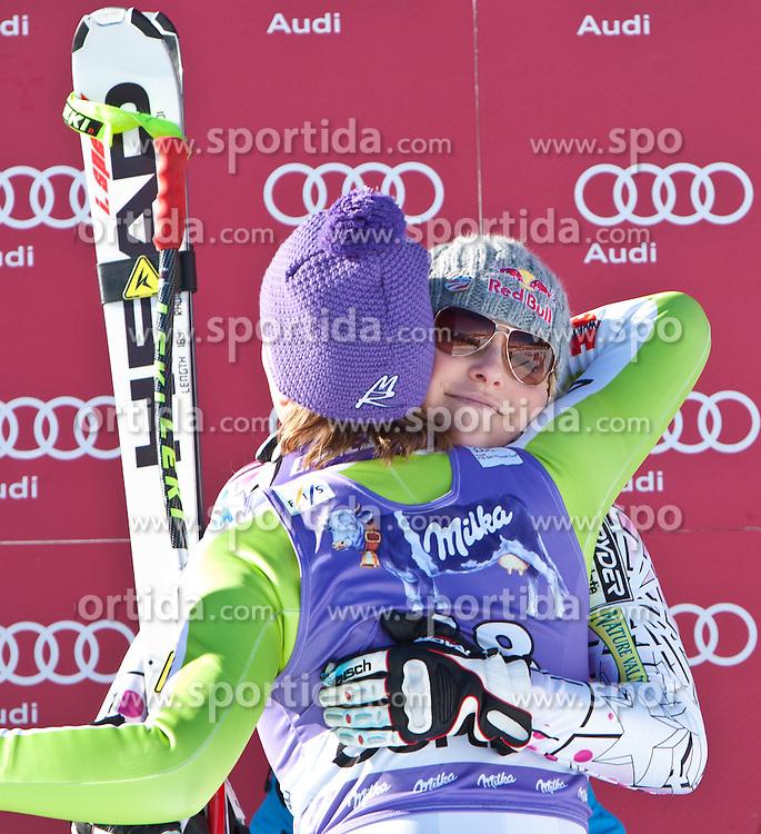22.01.2011, Tofana, Cortina d Ampezzo, ITA, FIS World Cup Ski Alpin, Lady, Cortina, Abfahrt, im Bild Lindsey Vonn (USA, #22, Platz 3) gratuliert Maria Riesch (GER, #18, Platz 1) // Lindsey Vonn (USA, place 3) congratulates Maria Riesch (GER, place 1) during FIS Ski Worldcup ladies Downhill at pista Tofana in Cortina d Ampezzo, Italy on 22/1/2011. EXPA Pictures © 2011, PhotoCredit: EXPA/ J. Groder