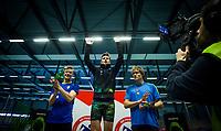 Friidrett<br /> NM Innendørs 06.03.2016<br /> Bærum Idrettspark<br /> Karsten Warholm får sitt gull fra 200m<br /> Foto: Eirik Førde/ Digitalsport