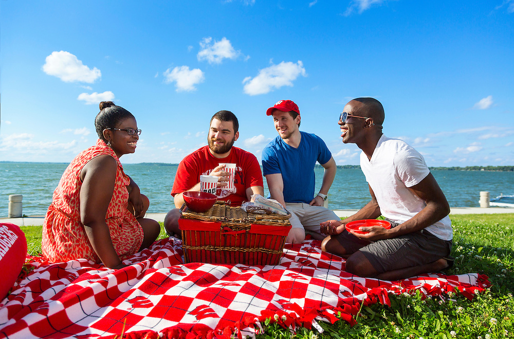 Student at the University of Wisconsin-Madison  picnic at James Madison Park. (Photo © Andy Manis)