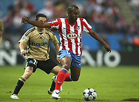 Fotball<br /> Frankrike<br /> Foto: DPPI/Digitalsport<br /> NORWAY ONLY<br /> <br /> FOOTBALL - CHAMPIONS LEAGUE 2008/2009 - GROUP STAGE - GROUP D - 081001 - ATLETICO MADRID v OLYMPIQUE MARSEILLE - FLORENT SINAMA PONGOLLE (ATL) / MATHIEU VALBUENA (OM)