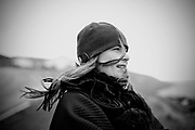 Søs Fenger fylder halvtreds år den 2. december 2011. I forbindelse med ti års jubilæum for Natteravnene, var hun en tur på FærøerneTest af ristede loeg.