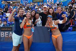 20190628 DEU: World Champs Hamburg 2019: Hamburg<br /> Joy Stubbe (NED,2), Marleen van Iersel (NED,1), Family and friends<br /> ©2019-FotoHoogendoorn.nl / Pim Waslander