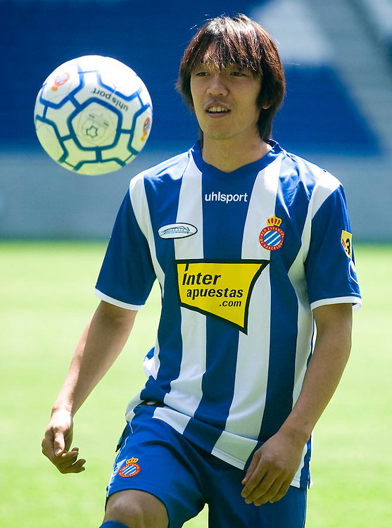"""July 13th. 2009. Official presentation of Shunsuke Nakamura as a  new player of the R.C.D. Espanyol of Barcelona. More than seven thousand supporters and numerous mass media have been present  in the presentation of the new player of the team of first Spanish division league  """"La Liga""""."""