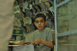 23.10.2008, Palmyra, SYR, IS ueberrennt antike Oasenstadt Palmyra, Die Terror Organisation Islamische Staat hat die syrische Oasenstadt Palmyra eingenommen. Damit droht eine der bedeutendsten antiken Stätten des Nahen Ostens zerstört zu werden, im Bild Archivmaterial, Syrischer Junge, (Naehe Palmyra) // Islamic State (IS) fighters in Syria are said to have seized part of the town next to Palmyra, one of the Middle East's greatest archaeological sites, Palmyra, Syria on 2008/10/23. EXPA Pictures © 2015, PhotoCredit: EXPA/ Eibner-Pressefoto/ Harzer<br /> <br /> *****ATTENTION - OUT of GER*****