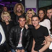 """NLD/Oostzaan/20150202 - Jennifer Hoeve """"Big Hair is an Addiction"""", Bobbi Eden en partner Mark Laurenz, moeder, vader, zus en partners"""