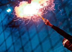 04.03.2018, Red Bull Arena, Salzburg, AUT, 1. FBL, FC Red Bull Salzburg vs SK Rapid Wien, 25. Runde, im Bild ein Fan des SK Rapid Wien mit einer bengalischen Fackel // during Austrian Football Bundesliga 25th round Match between FC Red Bull Salzburg and SK Rapid Wien at the Red Bull Arena, Salzburg, Austria on 2018/03/04. EXPA Pictures © 2018, PhotoCredit: EXPA/ JFK