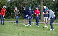 HALFWEG - jeugdgolf  olv pro's David Sijnke (r)   en Dirk Sandee  op de Amsterdamse Golf Club.    COPYRIGHT KOEN SUYK