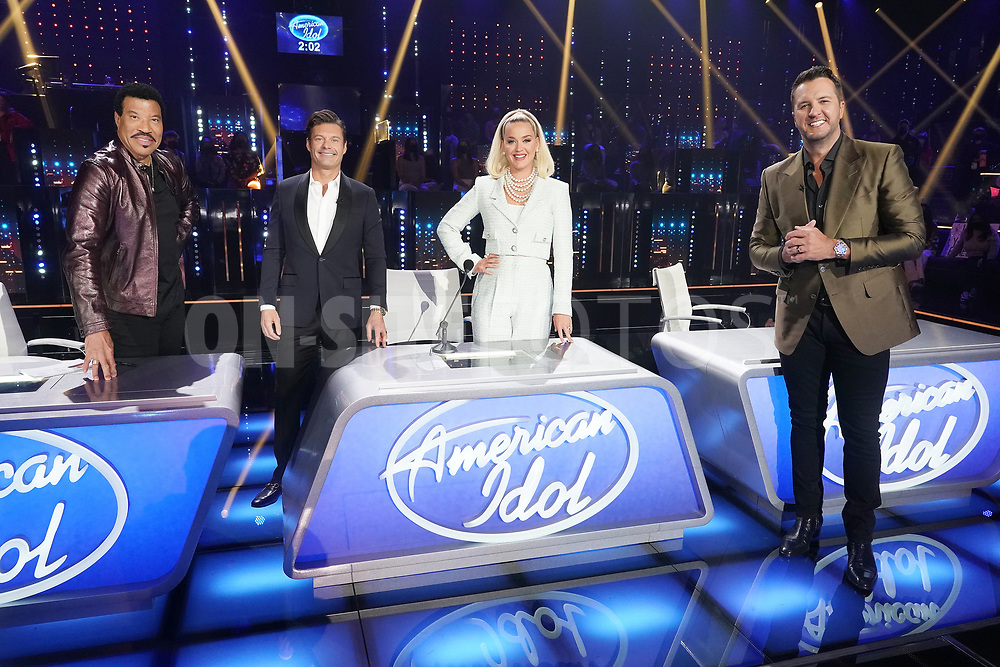 """AMERICAN IDOL – """"414 (Oscar Nominated Songs)"""" – The top 12 contestants perform Oscar®-nominated songs in hopes of securing America's vote into the top nine on an all-new episode of """"American Idol,"""" airing live coast-to-coast on SUNDAY, APRIL 18 (8:00-10:00 p.m. EDT), on ABC. (ABC/Eric McCandless)<br /> LIONEL RICHIE, RYAN SEACREST, KATY PERRY, LUKE BRYAN"""