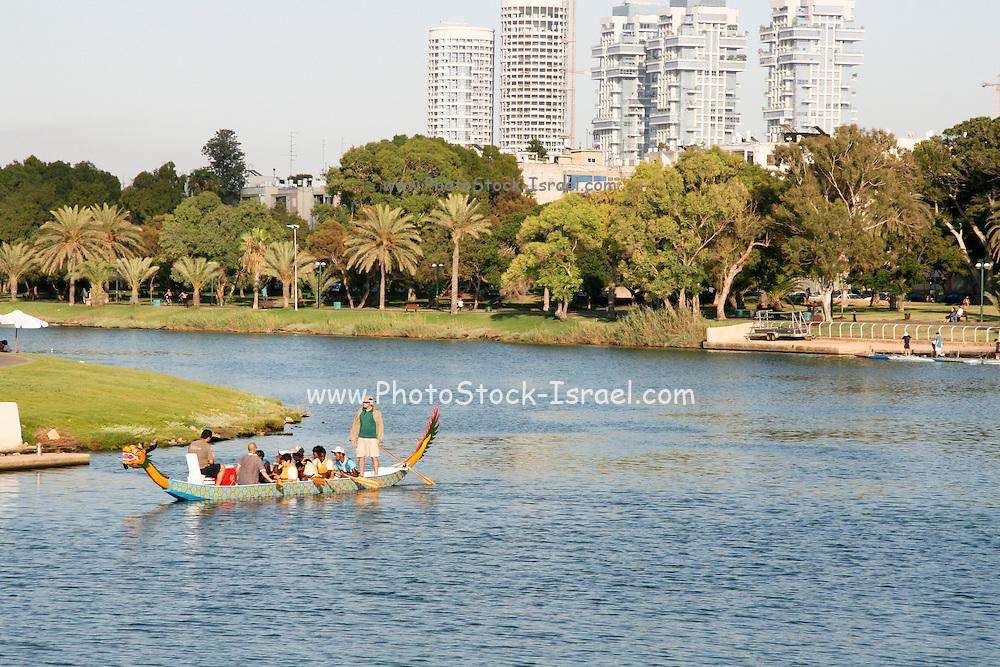 Israel, Tel Aviv, Yarkon River and park.