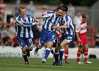 Fotball<br /> England 2005/2006<br /> Foto: imago/Digitalsport<br /> NORWAY ONLY<br /> <br /> 29.08.2005  <br /> Chris Brandon (Mitte) und Jonathan Worthington (beide Huddersfield) - Torjubel