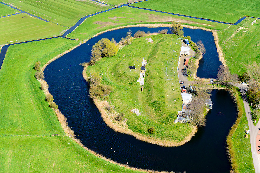 Nederland, Noord-Holland, gemeente Alkmaar, 20-04-2015; Fort bij Marken-Binnen, gelegen bij Markenbinnen ten noorden van West-Knollendam, in de polder Starnmeer. Onderdeel van de Stelling van Amsterdam.<br /> Fort bij Marken-Binnen, part of 19th century Defense line of Amsterdam.<br /> luchtfoto (toeslag op standard tarieven);<br /> aerial photo (additional fee required);<br /> copyright foto/photo Siebe Swart