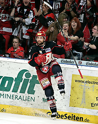 20.04.2010, TUI Arena, Hannover, GER, DEL, Hannover Scorpions vs Augsburger Panther, Play Off, im Bild Martin Hlinka (Hannover #14) mit dem Jubel ueber sein Tor zum 2:0 EXPA Pictures © 2010, PhotoCredit: EXPA/ nph/  Schrader / SPORTIDA PHOTO AGENCY