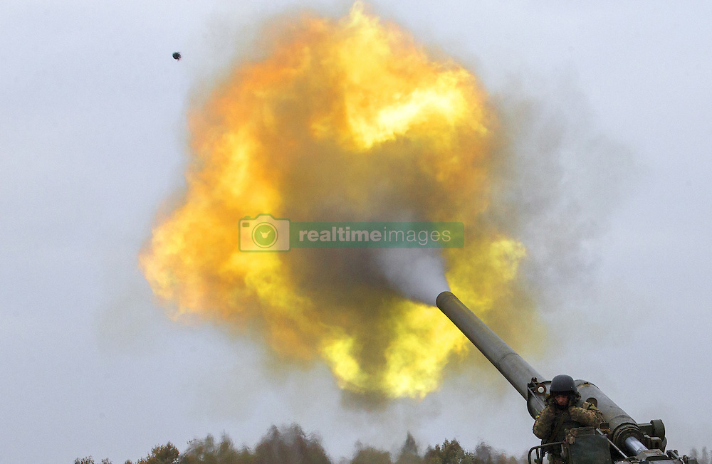 October 21, 2016 - Divychky, Ukraine - Ukrainian servicemen fire a 203mm self-propelled gun 'Pion' during a military exercise on the Devichki shooting range, about 85 km of capital Kyiv, Ukraine, 21 October 2016. (Credit Image: © Maxym Marusenko/NurPhoto via ZUMA Press)