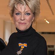 NLD/Amsterdamt/20180930 - Annie MG Schmidt viert eerste jubileum, Simone Kleinsma is door geridderd als officier in de Orde van Oranje-Nassau