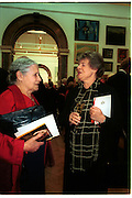Doris Lessing and Antonia Byatt. Royal Academy annual dinner. Royal Academy. Picadilly. 30 May 2002. © Copyright Photograph by Dafydd Jones 66 Stockwell Park Rd. London SW9 0DA Tel 020 7733 0108 www.dafjones.com