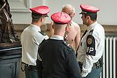 20130523 Naked man in the Belgian senate