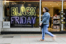 November 21, 2018 - Curitiba, Brazil - CURITIBA, PR - 21.11.2018: BLACK FRIDAY CURITIBA - Commerce in Curitiba already prepares shop windows on Wednesday (21) to attract customers to Black Friday, which takes place this Friday (23) (Credit Image: © Henry Milleo/Fotoarena via ZUMA Press)