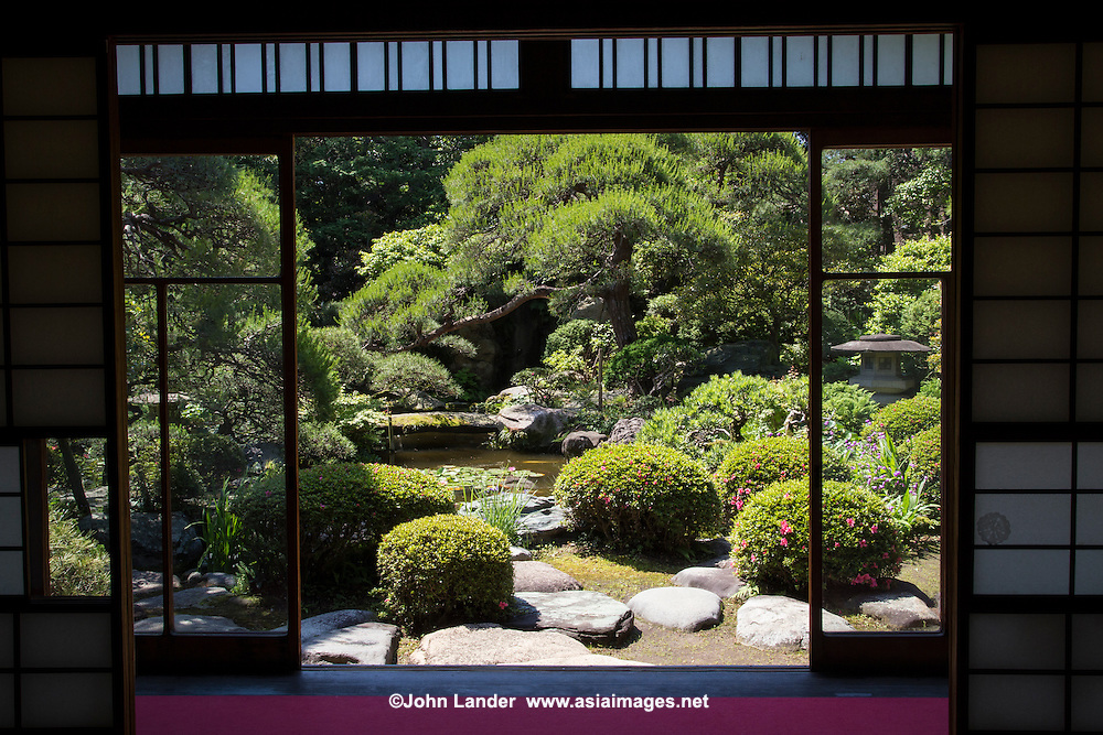 Apart from its teahouse, the main attraction at Yamamoto-tei is its pond garden.  It is the showpiece of the teahouse, from which it can be viewed from the windows and balcony. The garden is arranged around a pond with pine trees surrounding and the sound of waterfalls.