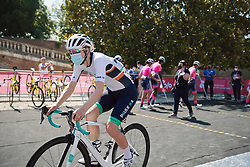 Lizzy Banks (GBR) at Strade Bianche - Elite Women 2020, a 136 km road race starting and finishing in Siena, Italy on August 1, 2020. Photo by Sean Robinson/velofocus.com