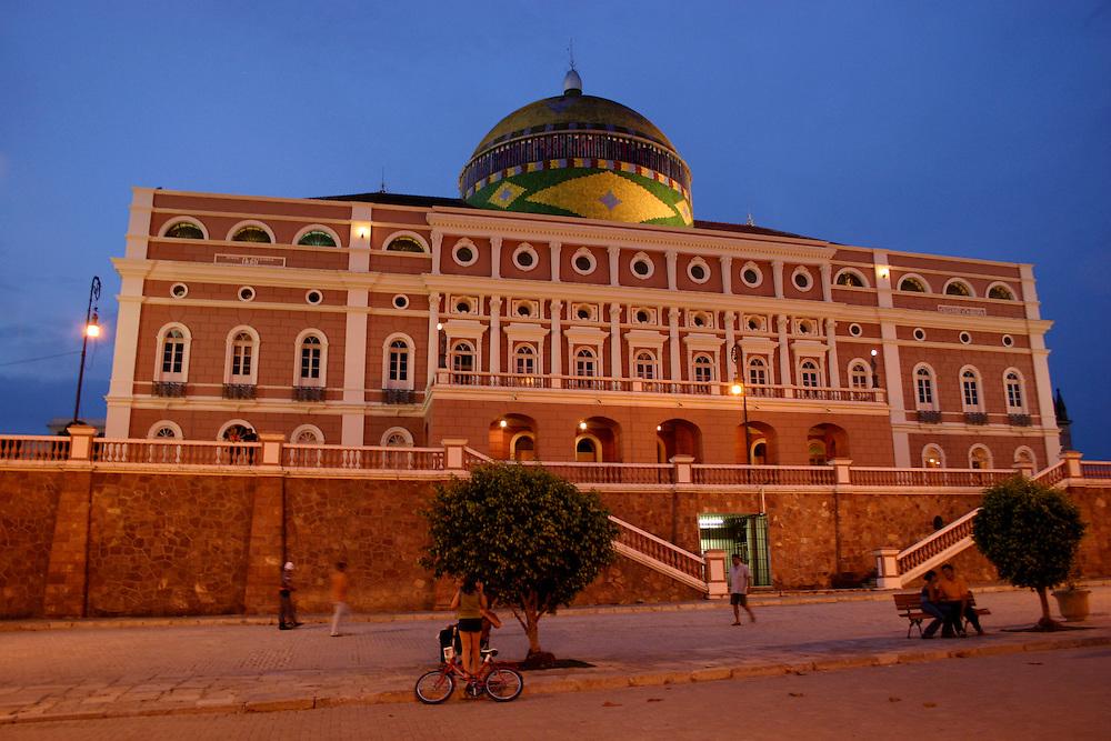 Manaus_AM, Brasil...Teatro Amazonas em Manaus...The Amazonas Theater in Manaus...Foto: JOAO MARCOS ROSA / NITRO