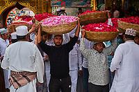 Inde, Rajasthan, Ajmer, Ajmer Sharif Dargah, la tombe du saint soufi Khwaja Moinuddin Chisti // India, Rajasthan, Ajmer, Ajmer Sharif Dargah, shrine of sufi saint Khwaja Moinuddin Chisti