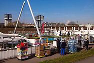 Europa, Deutschland, Koeln, Beladen von A-Rosa Kreuzfahrtschiffen im Deutzer Hafen.<br /><br />Europe, Germany, Cologne, loading of A-Rosa cruise ships in the harbor in the district Deutz.